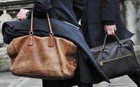 กระเป๋าผู้ชาย เลือกอย่างไรให้ กระเป๋าผู้ชาย ใบโปรดเข้ากับตัวเอง
