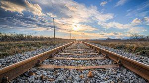 เคยสงสัยไหม? ทำไมรางรถไฟต้องถูกรองด้วยก้อนหิน