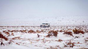 ชาวซาอุฯ แห่แชร์ภาพ หลังหิมะตกหนักในทะเลทราย