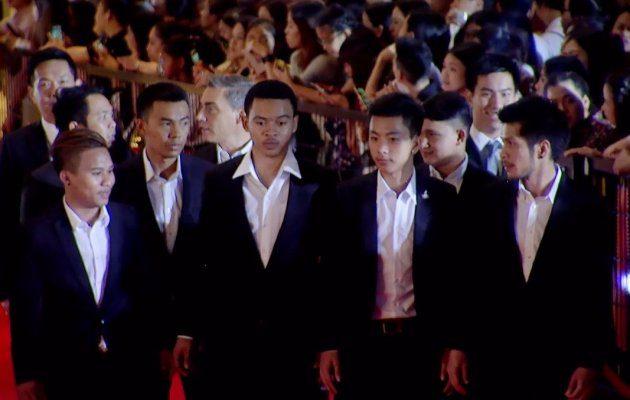 ฟุตซอลทีมชาติไทย เดินพรมแดง ในงานประกาศผลรางวัล MThai Top Talk-About 2017