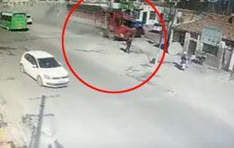 รถบรรทุกเบรคแตก พุ่งชนบ้านปชช. ก่อนทำคนดับ 5 ราย