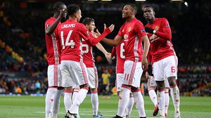 MANCHESTER, ENGLAND - OCTOBER 20:  Jesse Lingard of Manchester United celebrates scoring his team's fourth goal to make the score 4-0 with his team-mates during the UEFA Europa League match between Manchester United FC and Fenerbahce SK at Old Trafford on October 20, 2016 in Manchester, England.  (Photo by James Baylis - AMA/Getty Images)