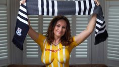 เจ้าเก่า!! สโมสร AYR UNITED บอดี้เพ้นท์ นางแบบเปลือย เพื่อเปิดตัวชุดแข่งฤดูกาลใหม่