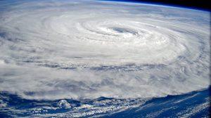 """ระทึกโลก!! พายุไต้ฝุ่นที่รุนแรงที่สุดจ่อถล่ม """"ญี่ปุ่น"""" อาทิตย์นี้"""