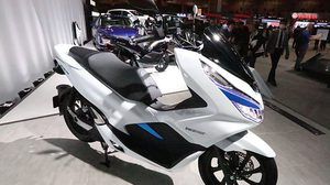 Honda Motor เปิดตัว PCX Hybrid และ PCX EV ครั้งแรกของโลก ที่งานโตเกียวมอเตอร์โชว์ 2017