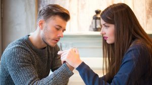 ตัดให้ขาด! 10 เหตุผล ที่คุณไม่ควรเป็นเพื่อน กับ แฟนเก่า
