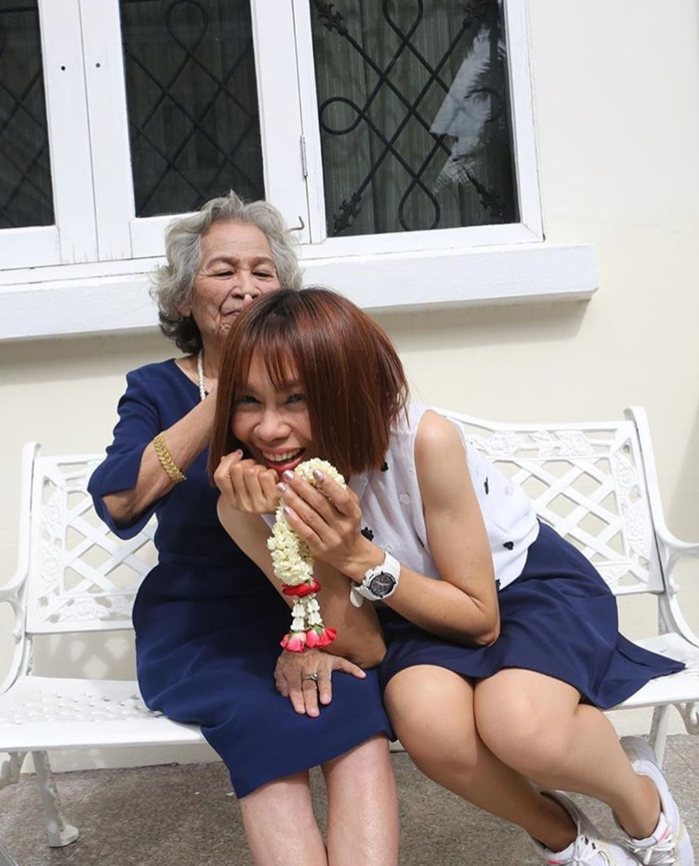 จินตหรา พูนลาภ - คุณแม่จันทร์