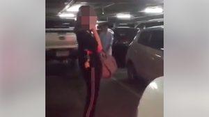 วิจารณ์แซด! หนุ่มโวยสาว เหตุยืนขวาง จองที่จอดรถ