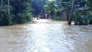 พัทลุงฝนตกหลายชั่วโมง น้ำป่าหลากท่วมตำบลกงหรา หลายหมู่บ้าน