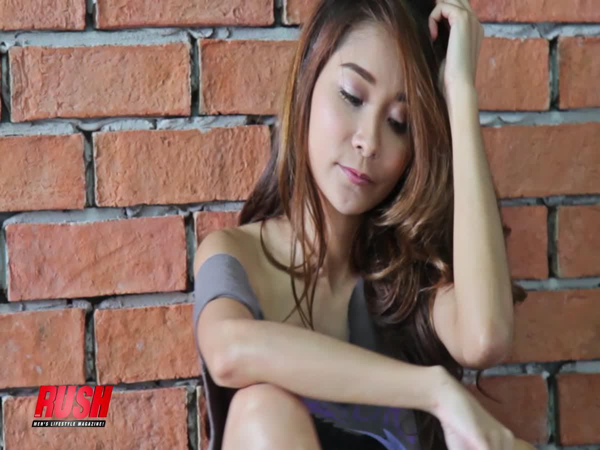 โดนใจหนุ่มไทยไปเต็มๆ กับน้องแป้งฝุ่น RUSH