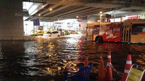 ฝนถล่มกรุงเทพมหานคร เกิดน้ำท่วมขัง จราจรติดขัดหลายพื้นที่