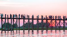 สะพานไม้อูเบ็ง (U Bein Bridge) สะพานไม้ที่ยาวที่สุดในโลก!