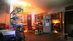 ไฟไหม้วอดร้านอาหารริมหาดพัทยา ลุงพนักงานถูกเพลิงลวกแขนเจ็บ