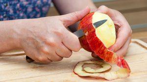 ปัญหาแอปเปิ้ลดำหมดไป!! มาดูวิธีปอกแอปเปิ้ลอย่างไรไม่ให้ดำ
