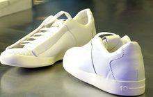 สหรัฐฯ ผลิตรองเท้าจากก๊าซคาร์บอนไดออกไซด์