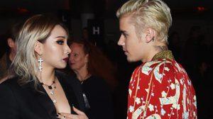 CL อวดลุคแซ่บ! เม้าท์มอยกับ Bieber ในแฟชั่นโชว์ Saint Laurent